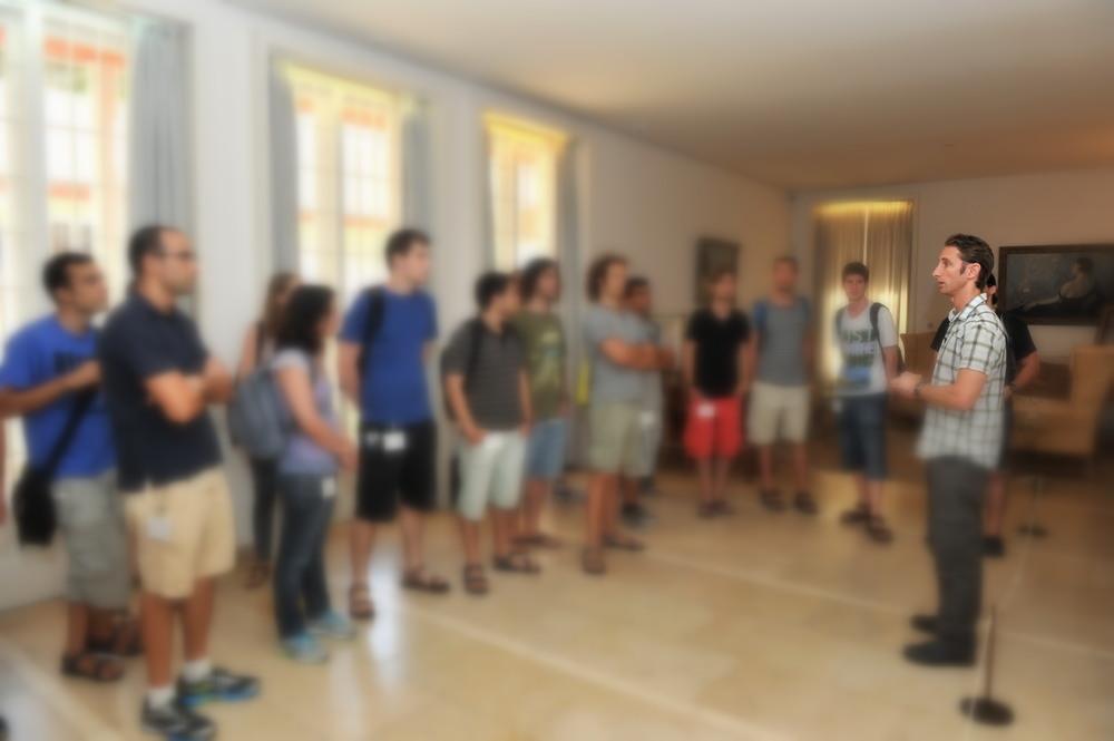הדרכה במוזיאון בית ויצמן - Tour at Weizmann House Museum
