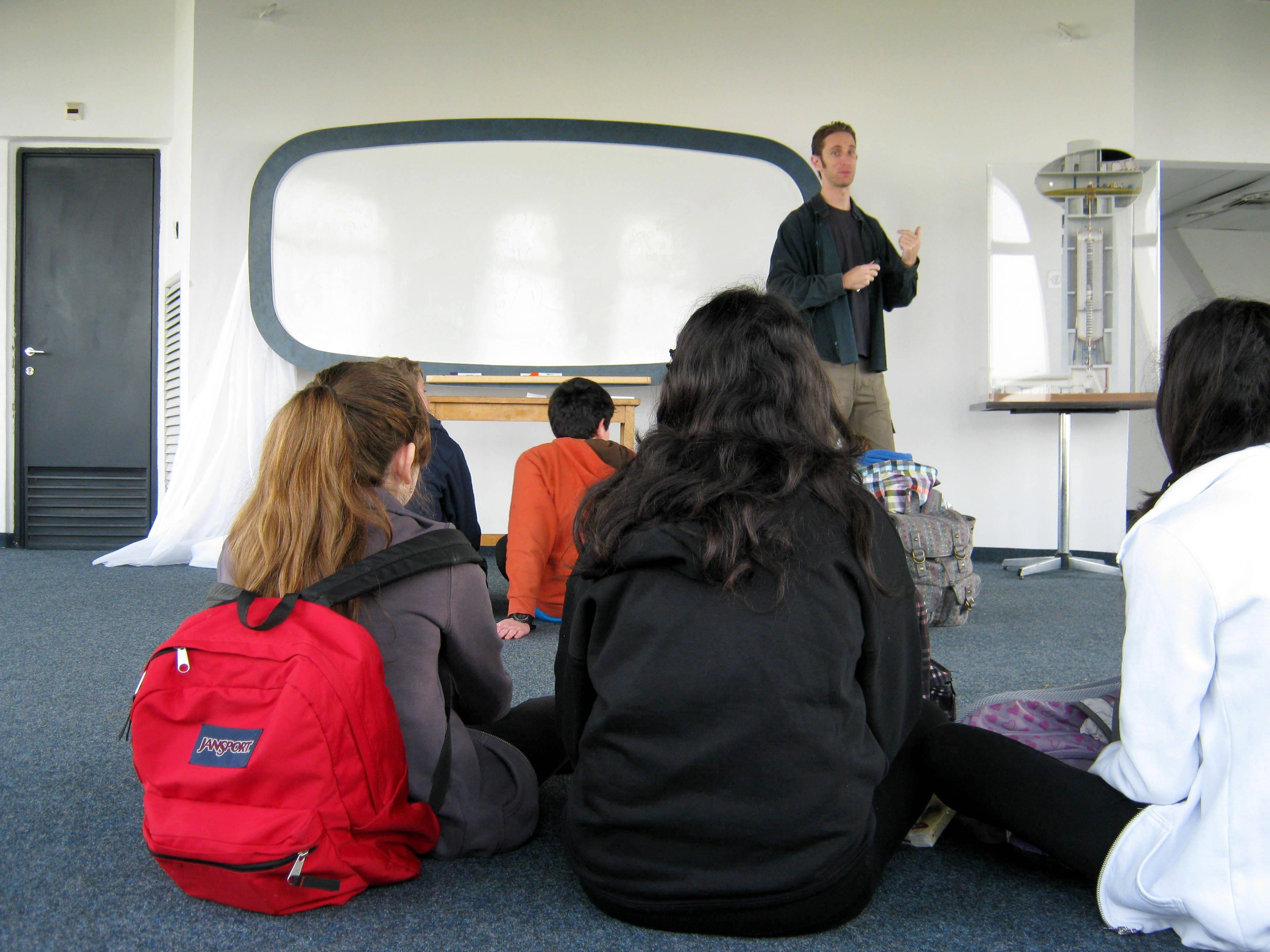 פעילות מדעית לתלמידים - Activity with students